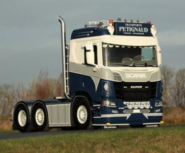 Scania NG - Petignaud - Salmon Custom